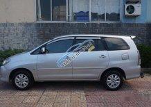 Cần bán gấp Toyota Innova đời 2009, màu bạc