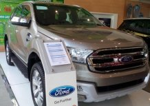 Bán xe Ford Ranger XLT 2017 màu bạc, giá tốt nhất thị trường