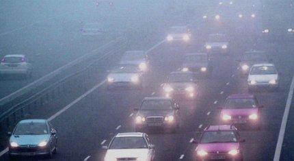 Lái xe trên đường sương mù cần chú ý những gì?